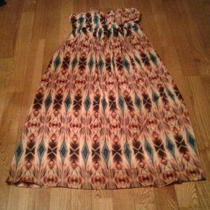 Stunning Nicole Miller Long Daytrip Dress